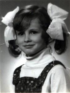 Miałam tu jakieś 6 czy 7 lat, uwielbiałam mieć kokardy.
