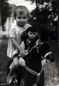 Przedszkole. Konik i laleczka były tylko do fotografii.